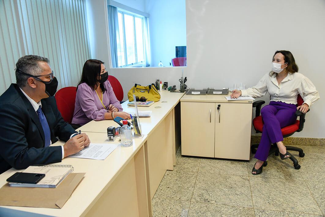 Reunião entre MPTO e Uninassau discute formação de rede de atendimento e apoio às vítimas de crimes violentos
