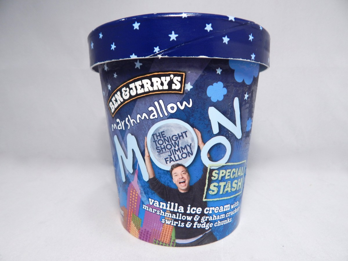[Friday Flash Review] Ben & Jerry's Marshmallow Moon Ice Cream