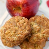 Chewy Oatmeal Apple Cookies