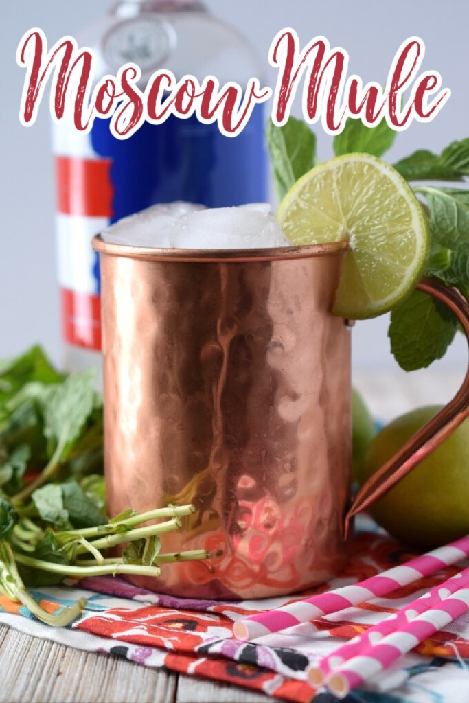 Moscow Mule - The perfect moscow mule recipe! Made with just a few simple ingredients, this drink is elegant and delicious. Moscow Mule Recipe   Moscow Mule   Cocktail Recipe