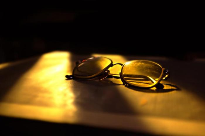 eyeglasses, sunlight, shadows, dark, objects