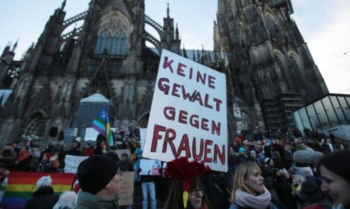 Katedralen i Köln demonstration mot våld