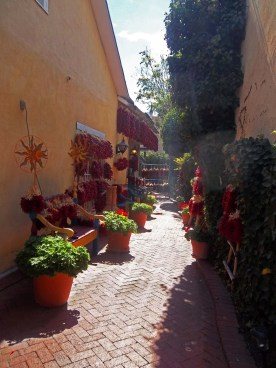 The Chile courtyard.