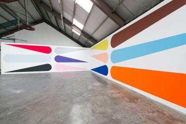 WALL PAINTING No.398, Grip. 2014, acrylic on wall, 370 x 2290 cm / PEINTURE MURALE No.398, Grip. 2014, acrylique sur mur, 370 x 2290 cm