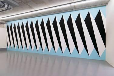 WALL PAINTING No.330, Below Unit. 2012, acrylic on wall, 351 x 1015 cm / PEINTURE MURALE No.330, Unité ci-dessous. 2012, acrylique sur mur, 351 x 1015 cm