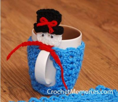 Frosty Snowman Cup Warmer from Crochet Memories.