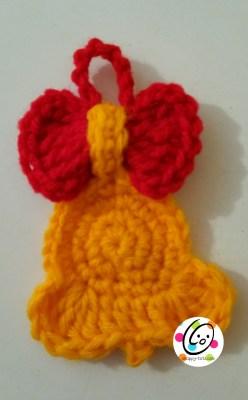 Free crochet bell ornament pattern.