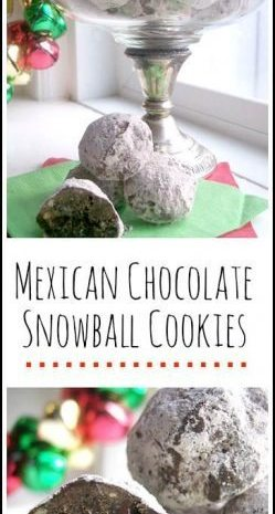 Mexican Chocolate Snowball Cookies - easy snowball cookie perfect for the holidays, Christmas, or even Cinco de Mayo!
