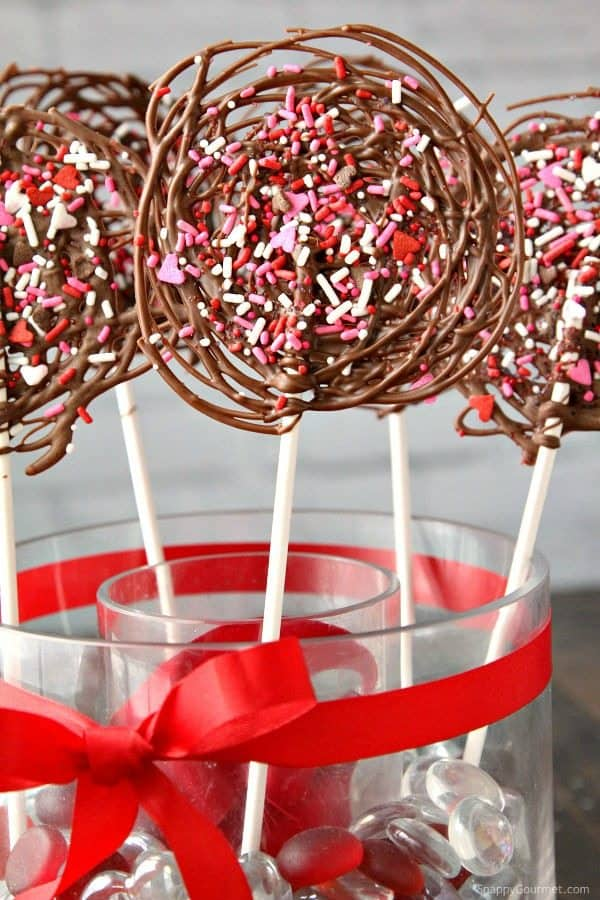 Easy Chocolate Pops Recipe - How to Make DIY Valentine's Day Chocolate Lollipops (SnappyGourmet.com)
