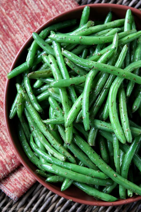 Simply Sautéed Italian Green Beans, easy side dish vegetable! SnappyGourmet.com