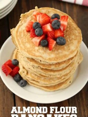 Almond Flour Pancakes Recipe (Gluten Free Pancakes)