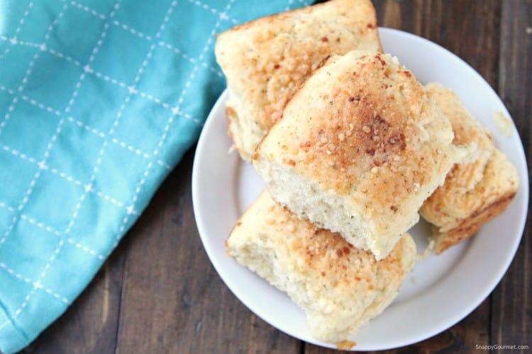 Homemade Dinner Rolls - One hour dinner roll recipe for soft and fluffy dinner rolls