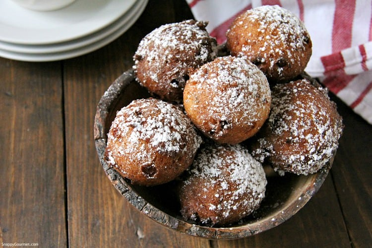 ricotta fritters dusted with powdered sugar