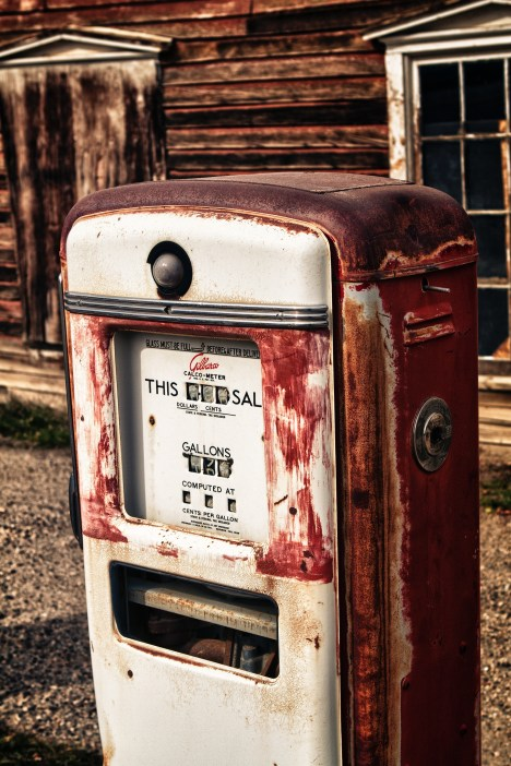 Old gas pump - red