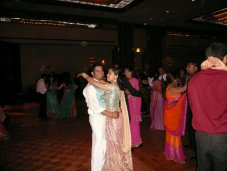 reception_dancing_maulik_sarjita.jpg