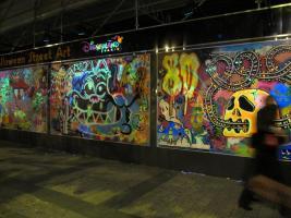 champs_elysees_street_art.jpg