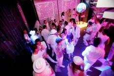 crowd_dance_floor