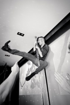 derek_jump_kick