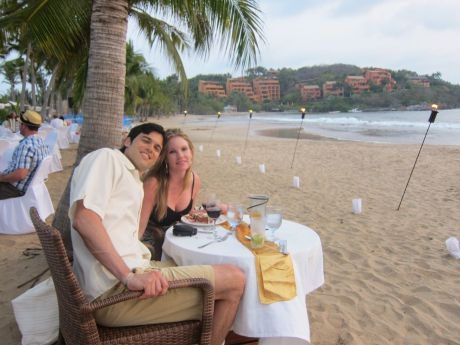 beach_dinner_ryan_gina_1