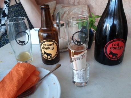santorini_brewing_beers