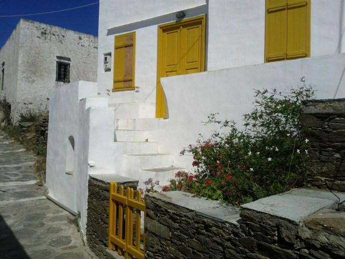 whitewashed_walls_yellow_trim
