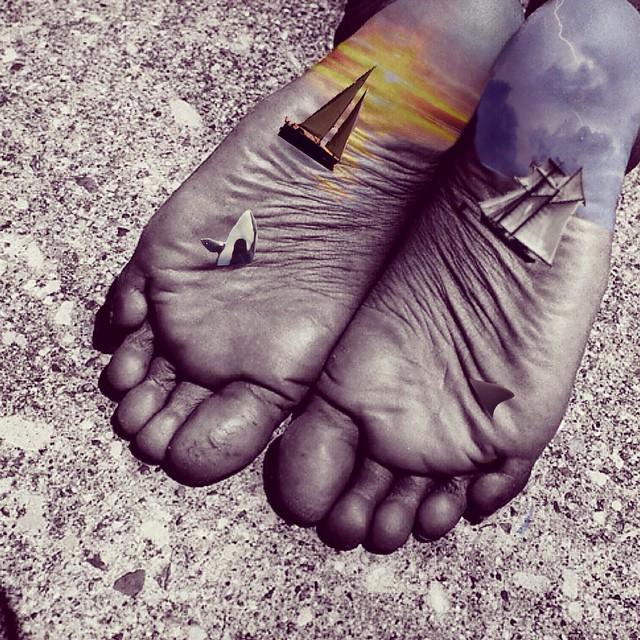 thejohnnysmith_happy_foot_sad_foot