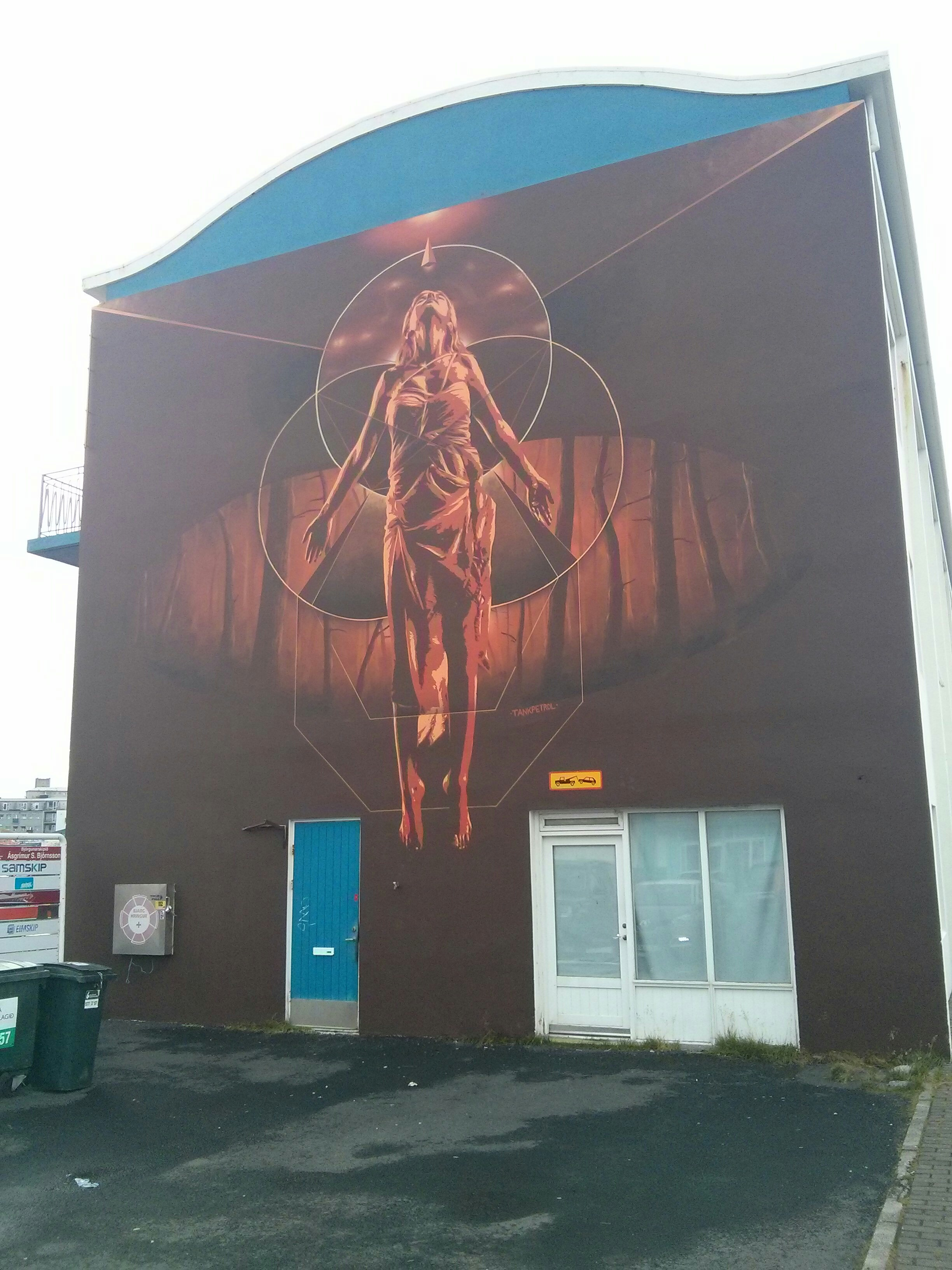 mural_woman_chrysalis
