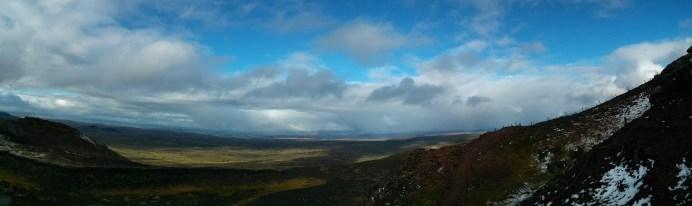 prihnukagigur_volcano_landscape_pano