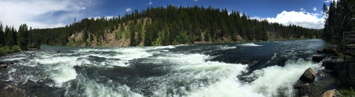 yellowstone_river_pano