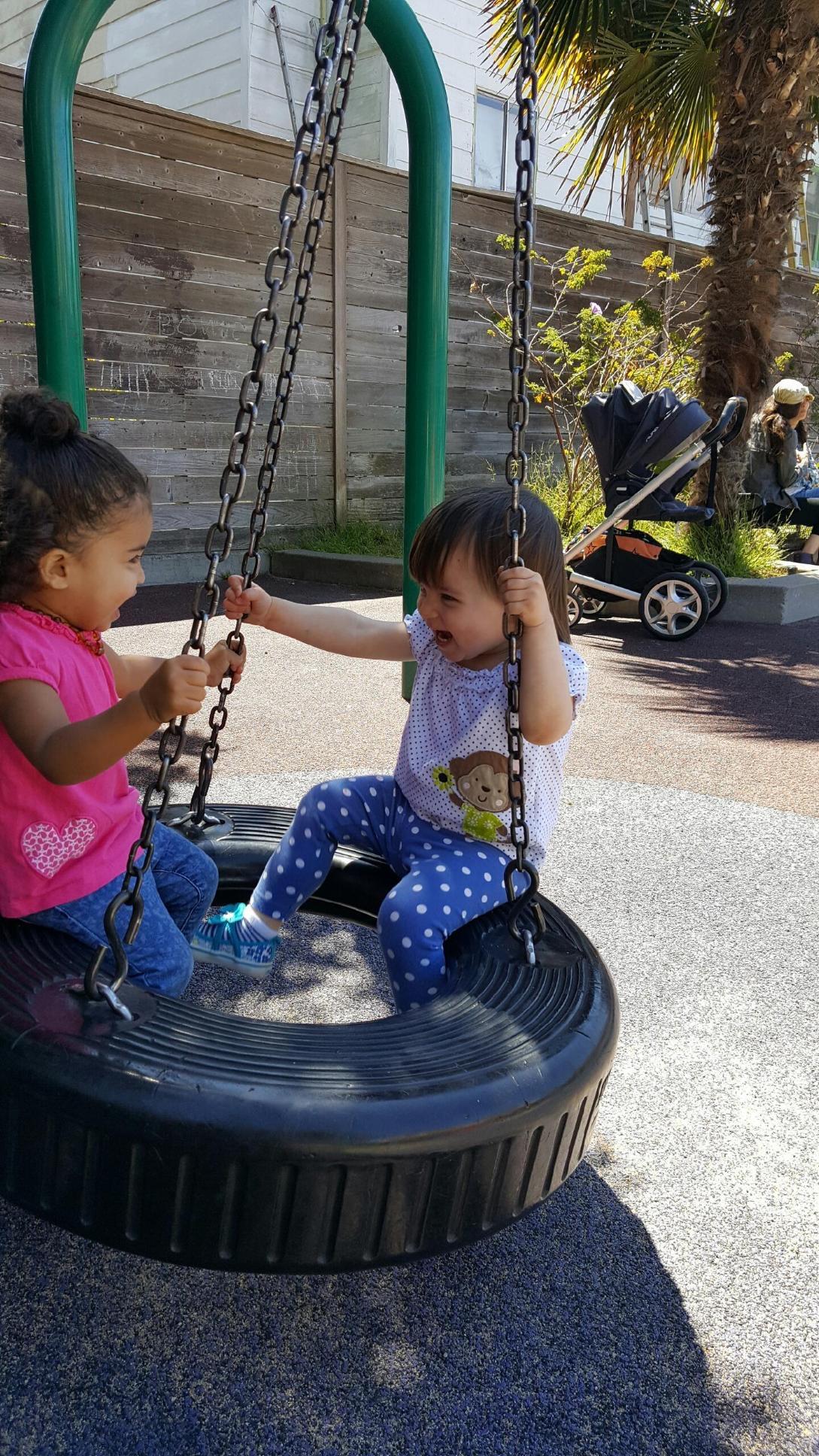 playground_reya_tire_swing_2