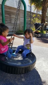 playground_reya_tire_swing_2