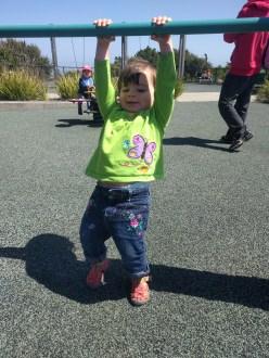 playground_hanging