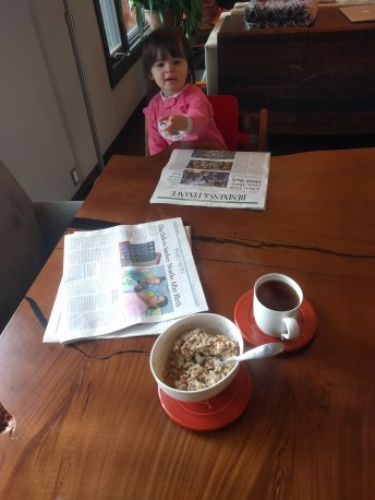 breakfast_coffee_newspaper