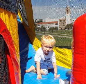 bouncy_house_everett