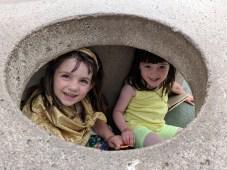 playground_friend_hiding
