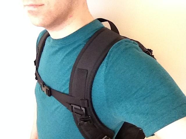 Tom Bihn Synapse 25 shoulder strap placement