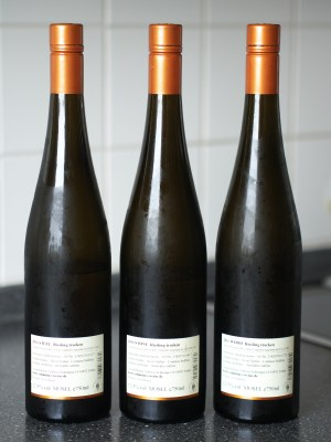 The back labels of Steel, Stone and Wood, by Weingut Andreas Schmitges.