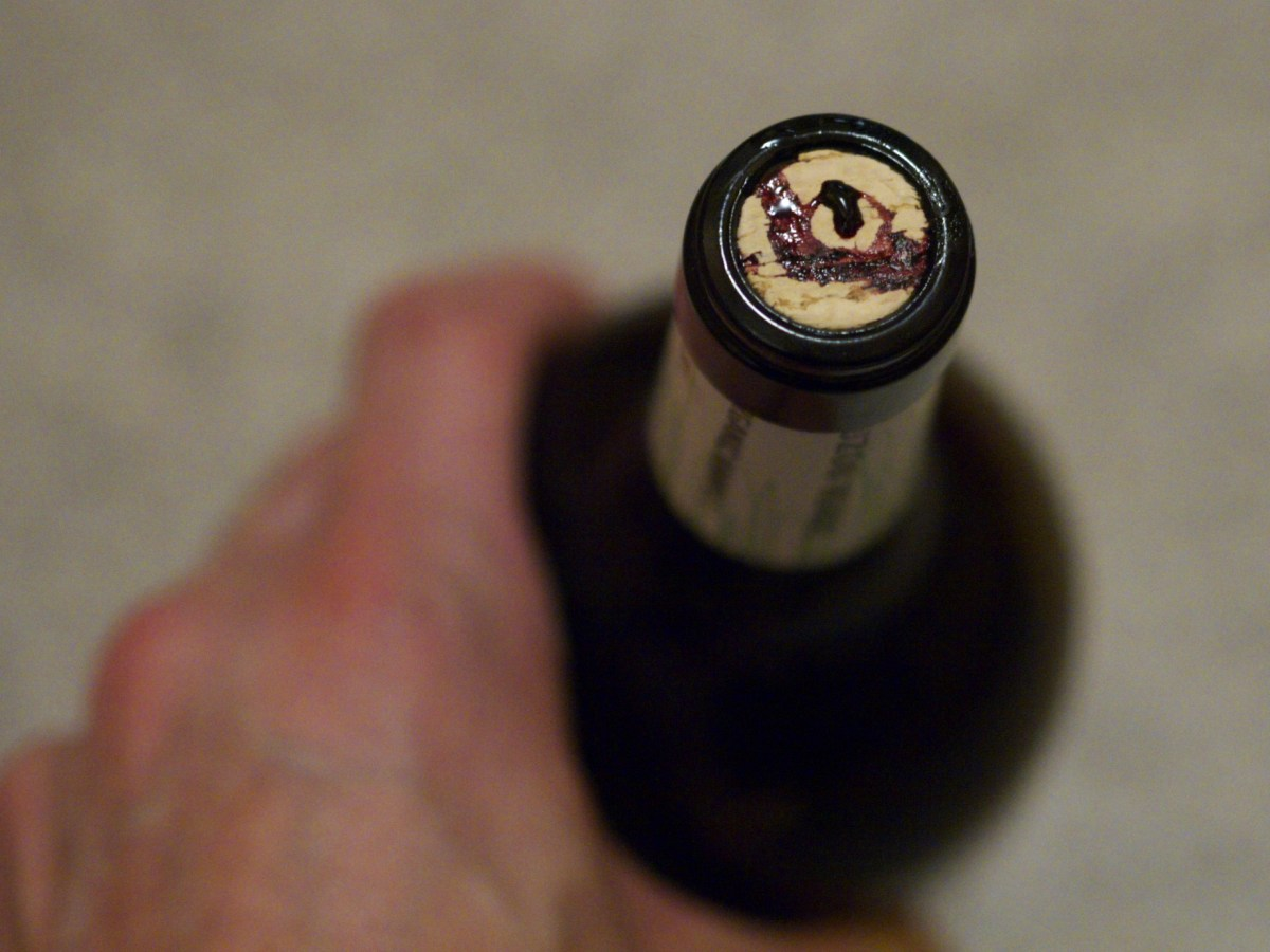 Very leaky cork after Coravin access.
