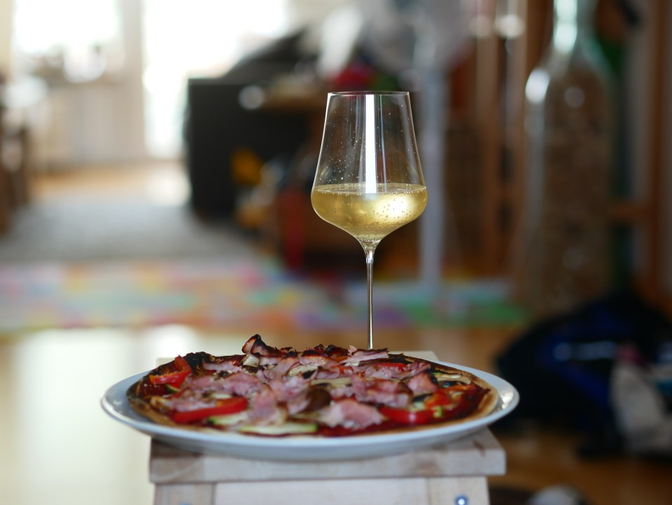 Pizza and sparkling wine