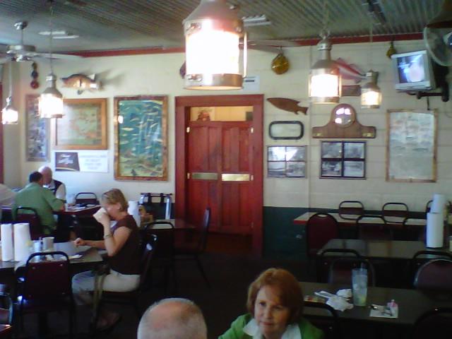 Captains Table Fish House Restaurant & Oyster Bar!  (5/6)