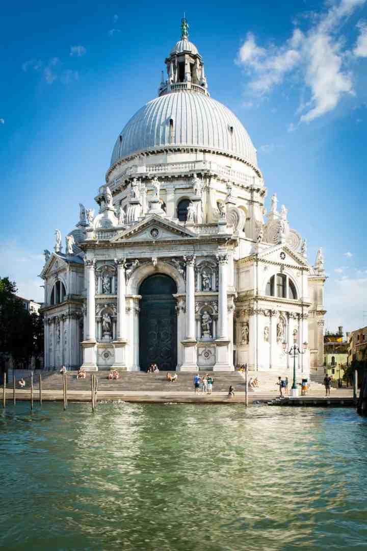architecture-baroque-building-161101