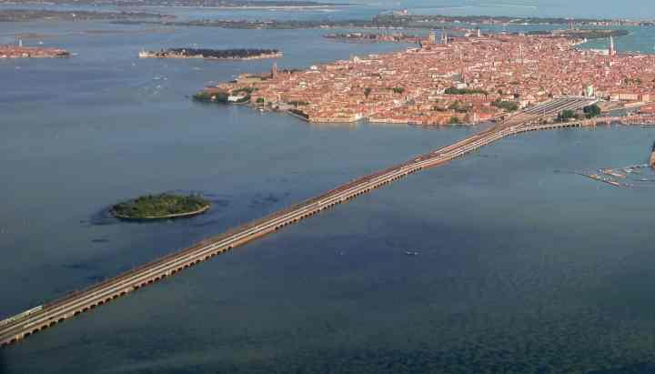 Venise Aero Pont de la Liberté Snazzy Trips