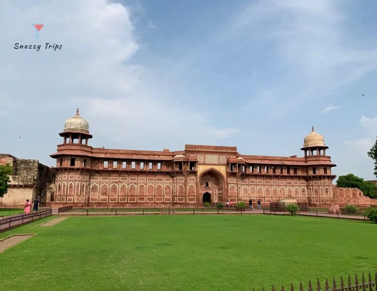 See the Amazing Unesco Agra Red Fort