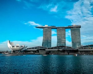 How To Visit The Marina Bay Sands Roof Top