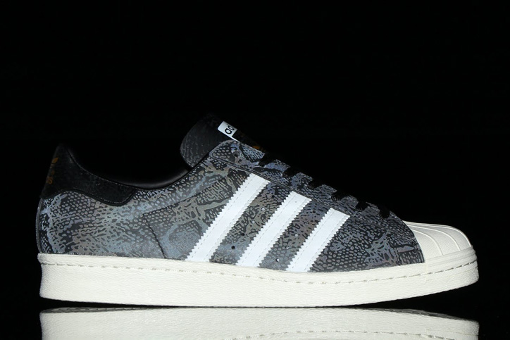 Photo03 - adidas Originals for atmos SUPERSTAR 80s GID Bの先行予約を開始