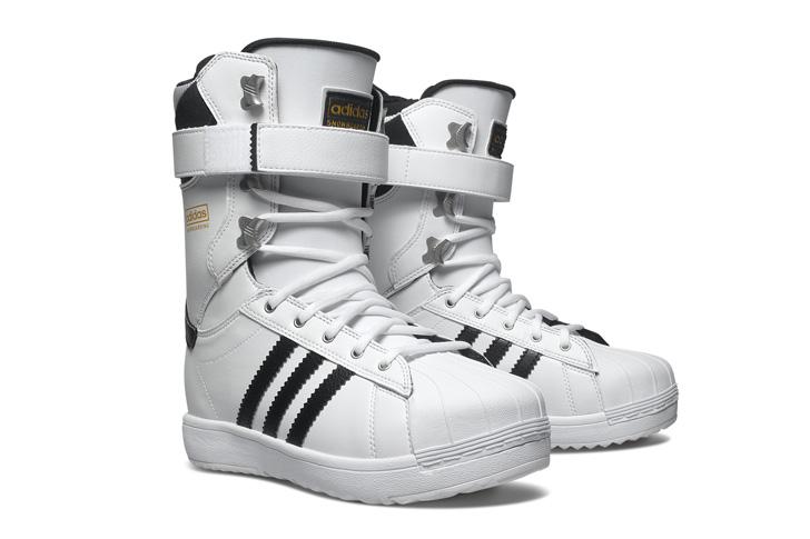 Photo03 - アディダスは、Superstar生誕45周年をセレブレイトしてスノボーディング用にリデザインされたSuperstar Bootを発表