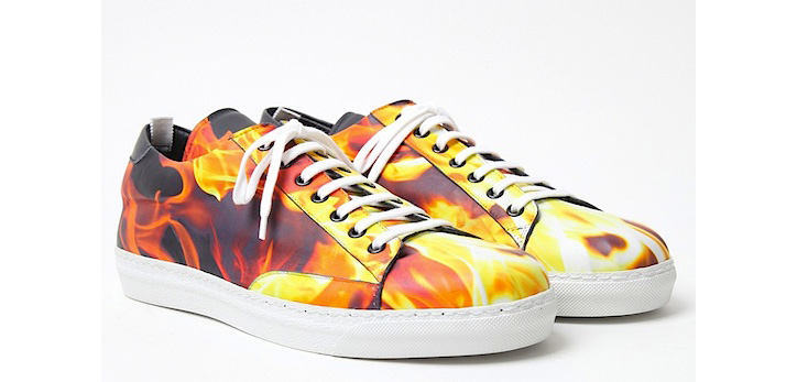 Photo01 - Alexander McQueen Flame Print Sneakers