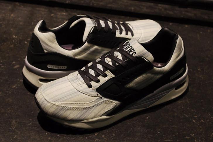 """Photo01 - ブルックスは、通称""""American Dream""""と呼ばれるSNSとのコラボモデルREGENT """"Sneakersnstuff""""を発売"""
