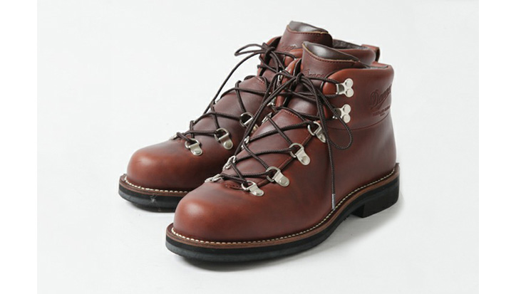 Photo01 - Ships General Supply x Danner Mountain Trail