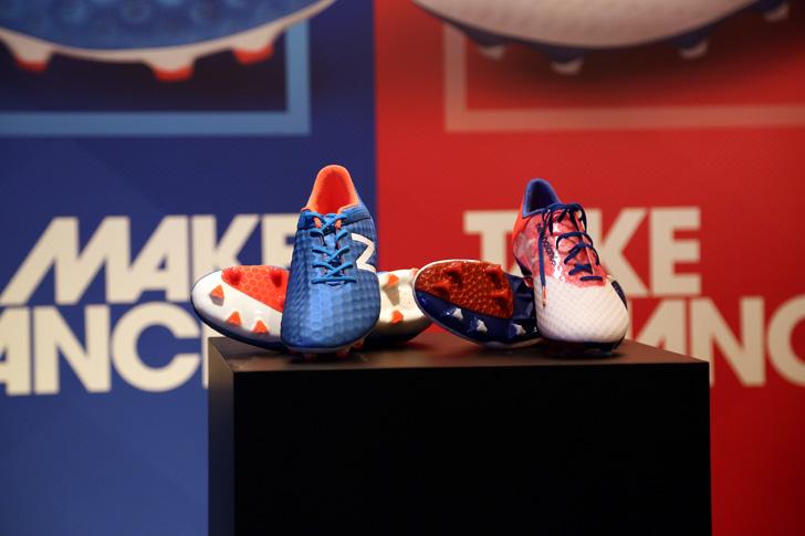 Photo04 - マンチェスター・ユナイテッド所属のマルアン・フェライーニ選手を招いた New Balance FOOTBALL 2015FW BOOTS REVEAL PARTY が開催